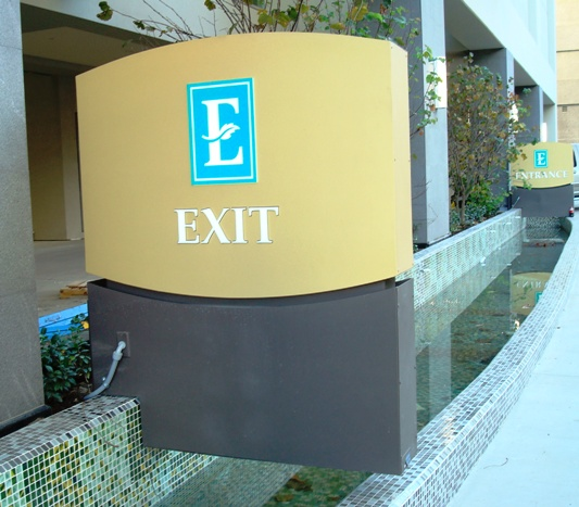 Embassy Suites Glendale CA Illuminated Signs